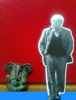 Collage: Max Frisch walks with Ganesha on blue ground.